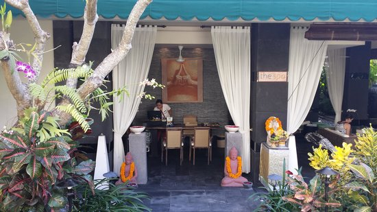 The Breezes Bali Resort & Spa: Entrance of the spa