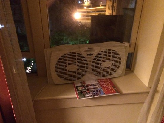 Hotel Providence : This is my AC
