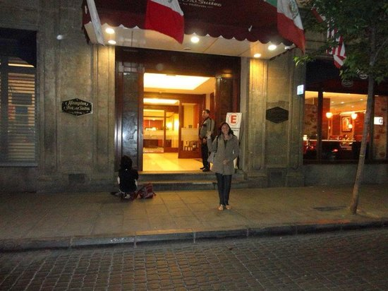 Hampton Inn & Suites Mexico City - Centro Historico : Em frente ao Hampton Inn
