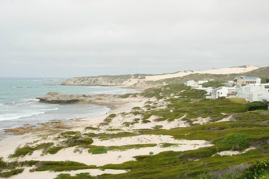 Arniston Spa Hotel: View from just over the dunes to the east of the hotel.