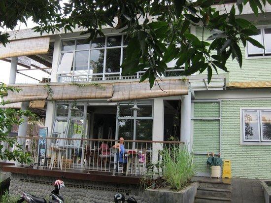 Tegal Sari : Warung Semesta (Restaurant)