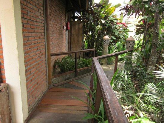 Tegal Sari : Path to our room #17