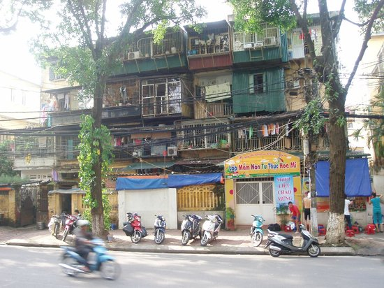 Sunway Hotel Hanoi: Opposite the entry of Hotel