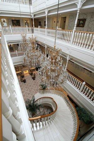 The Rocks Hotel: 有個漂亮的旋轉梯