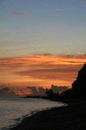 Taufua Beach Fales: End of a day