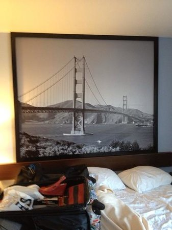Super 8 San Bruno /SF Intl Arpt West: bela imagem da Golden Gate no apartamento
