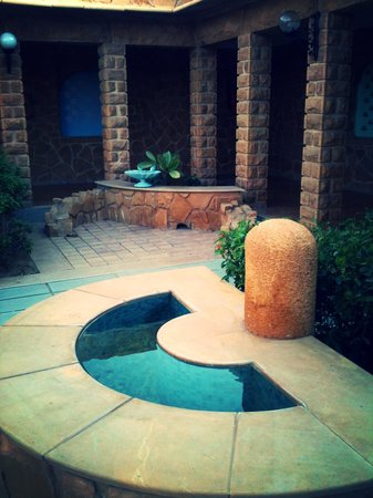 Hotel Rawalkot Jaisalmer: Beautiful courtyard