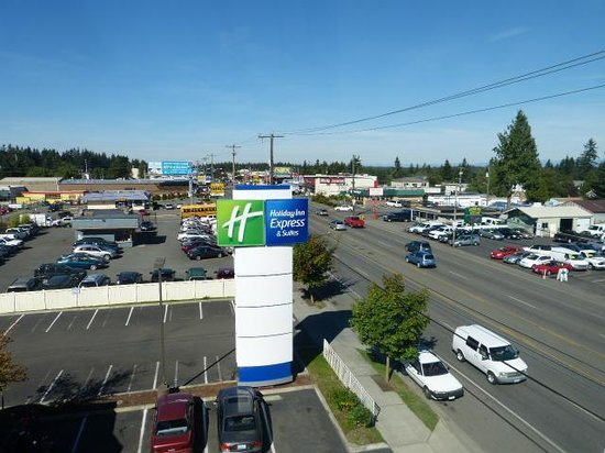 Holiday Inn Express Hotel & Suites North Seattle - Shoreline: Exterior view from my room