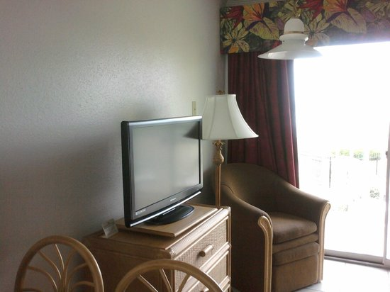 The Victorian Condominiums : TV in living room area. There is one in the bedroom also