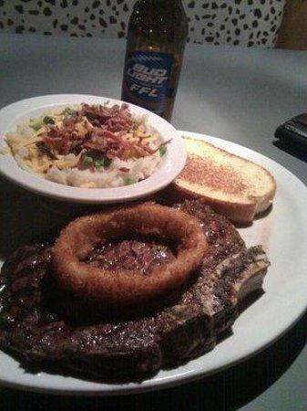Buzz Inn Steakhouse: Steak!