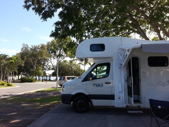 Noosa River Holiday Park : River view beyond motorhome