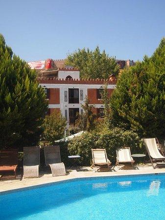 Hotel Kalehan: refreshing, good-sized pool