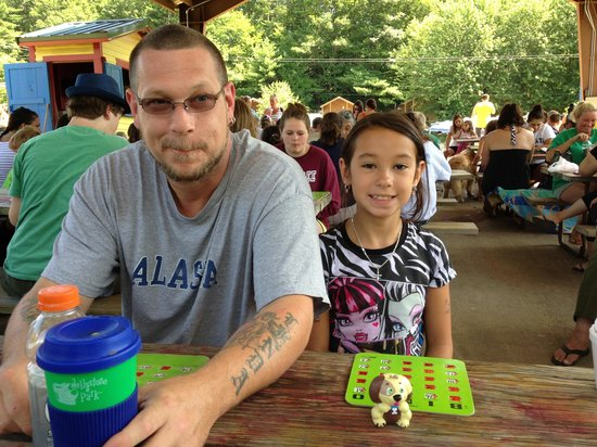 Yogi Bear's Jellystone Park - Ashland: Playing bingo