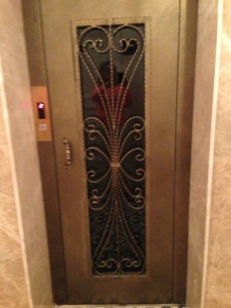 Enderun Hotel Istanbul: The Lift door