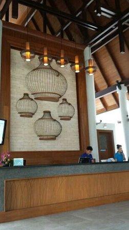 Deevana Plaza Krabi Aonang: lobby