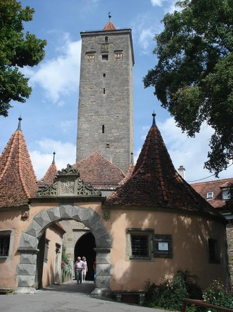 ‪Grayline Day Tours: Romantic Road: Rothenburg and Harburg‬