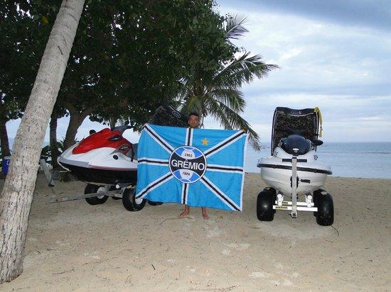 Tavarua Island Resort: Jets for Suf Safety