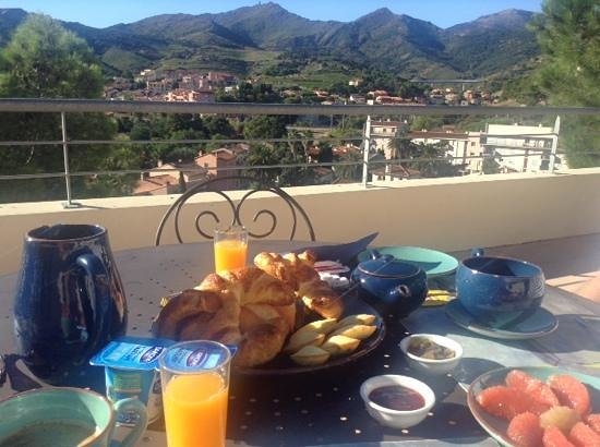Villa Miranda: breakfast on the terrace