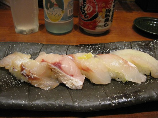 Mori Mori Sushi Kanazawa Ekimae: 新鮮なネタ