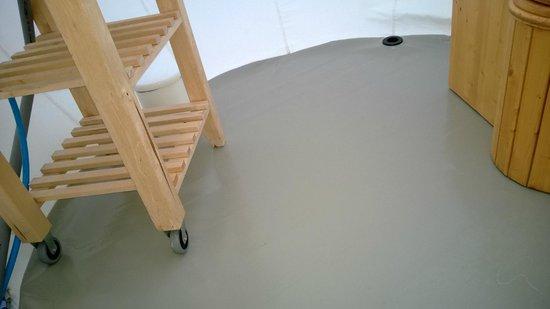 Les gouttes d'eau : fuites dans le coin salle d'eau