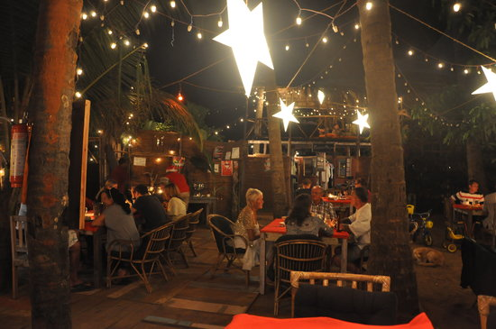 Restaurant at night picture of jardin d 39 ulysse morjim for Restaurant jardin 92