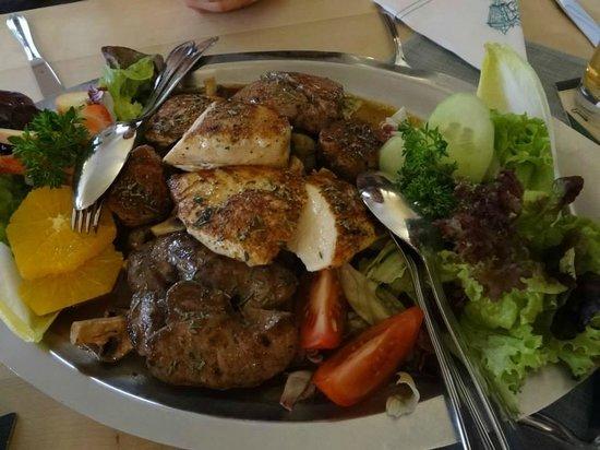 Thuringer Hof: Meat platter for two