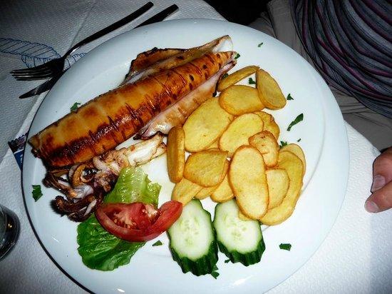 Agkyra Fish Restaurant : calamaro alla griglia