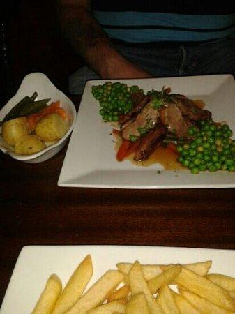 The Bell Inn : Honey glazed duck