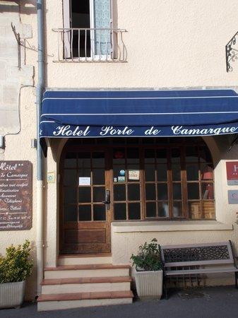 Hotel Porte de Camargue : Front of hotel