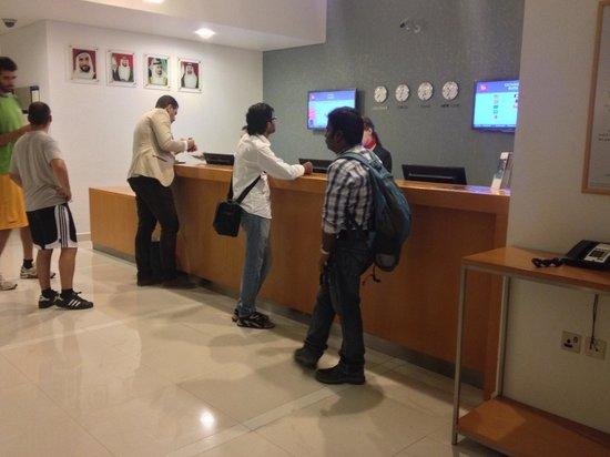 Ibis Abu Dhabi Gate: Reciption