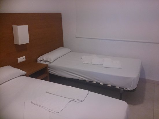 Don Salva Apartments: twin beds