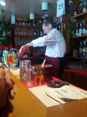 Ernesto Piano Bar