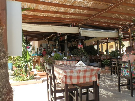 Plaza Beach Restaurant: Restaurant