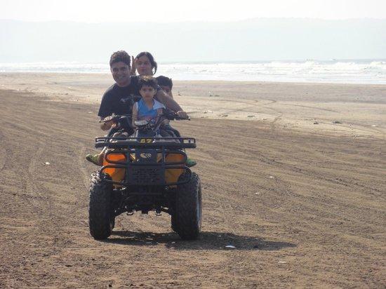 Lotus Beach Resort: sports activities on the beach