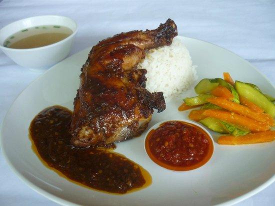 Long Hiang Coffee Shop: Grilled Taliwang Chicken Set