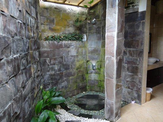 Ubud Dedari Villas: salle de bain