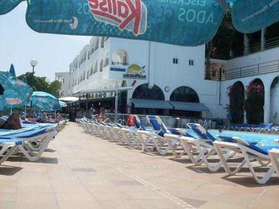 Colina Mar Apartments: mainpool / bar