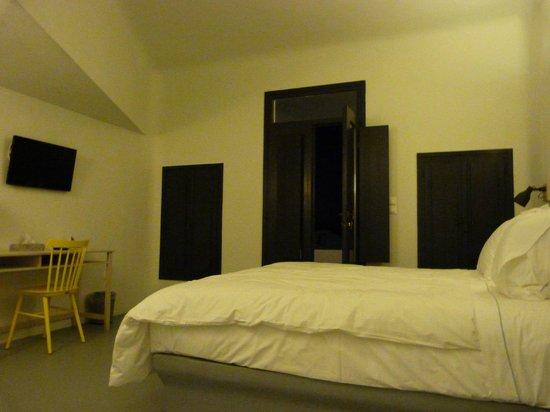 Ambassador Aegean Luxury Hotel & Suites : Master bedroom