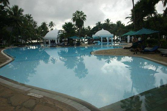 Southern Palms Beach Resort: piscine