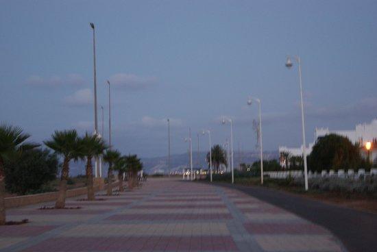 Iberostar Saidia : promenade entre l'hotel et la plage