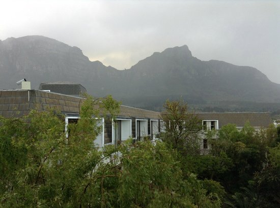 Vineyard Hotel: View from bedroom window