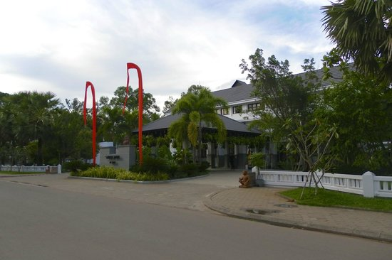 Shinta Mani Angkor: Across the road from the Club is the Shinta Mani Resort