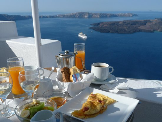Avianto Suites : Breakfast