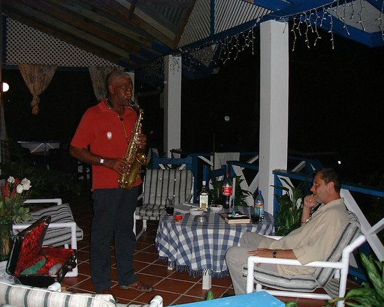 Jemas Guesthouse and Apartments: Nachbarbesuch Mr.Lewis