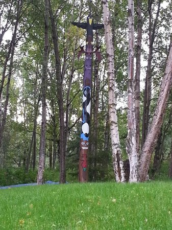 A Lakeside Bed and Breakfast: Totem pole in front yard