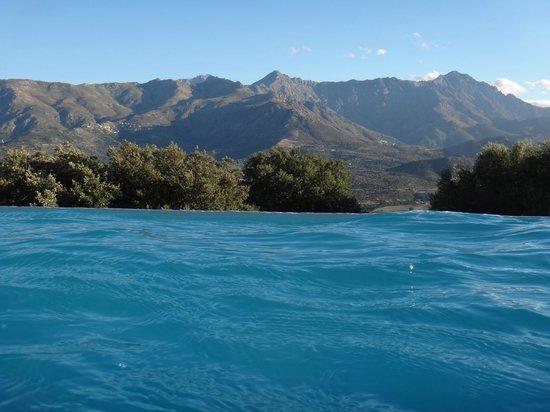 Hotel A Piattatella: la piscine à débordement