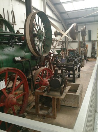 World of Country Life : Steam engines