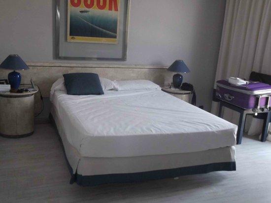 Hotel Puerto Sherry: HABITACION TODO PARECIDO FICCION