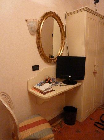 Riviera Hotel: Chambre single