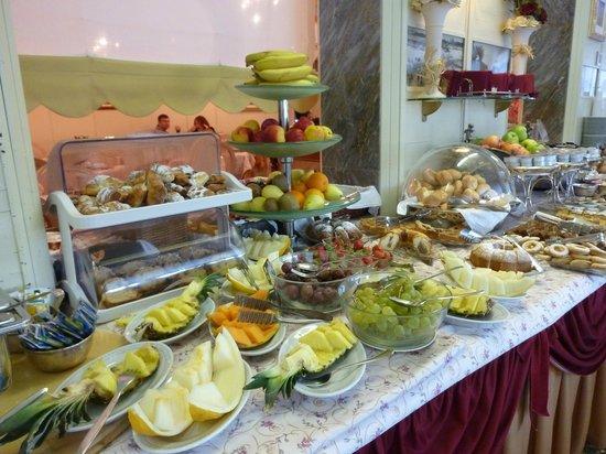 Riviera Hotel: Buffet petit déjeuner